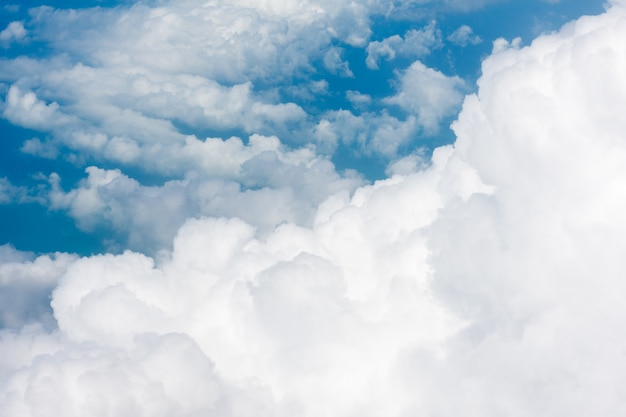 Arial vista desde cabina interna de avión.