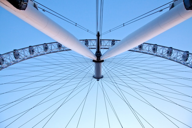 Arichitecture of london eye