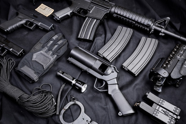 Arma moderna, negro