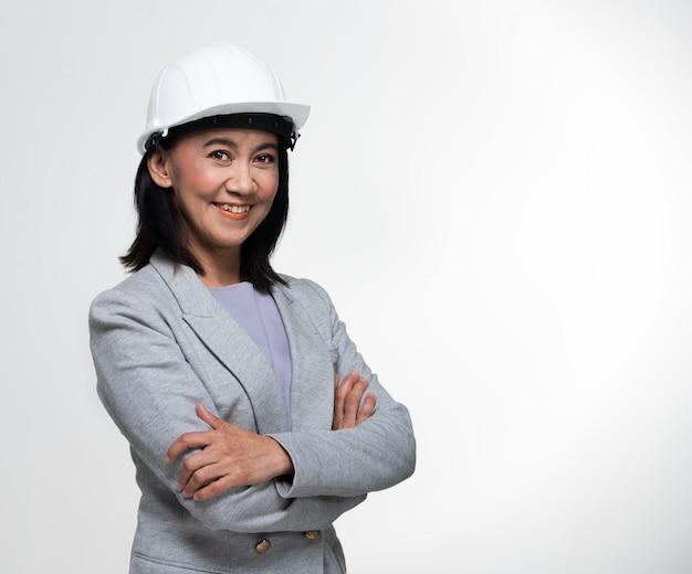 Arquitecto ingeniero asiático 50s 60s años mujer