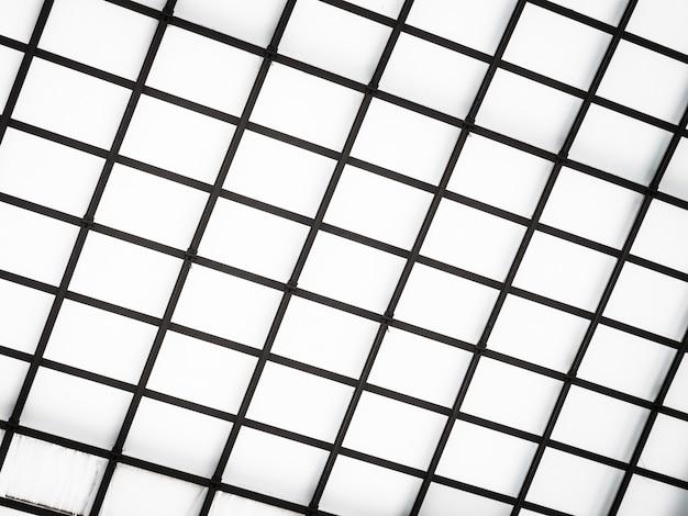 Arquitectura abstracta del techo de cristal exterior.