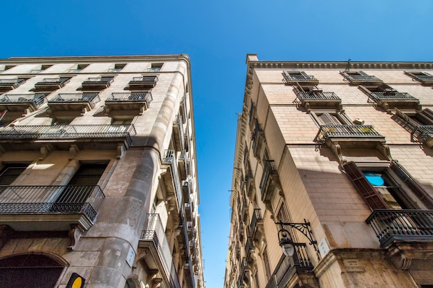 Arquitectura en edificios de barcelona, españa.