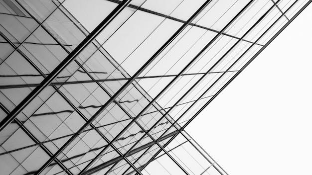 Arquitectura de la geometría en la ventana de vidrio - monocromo