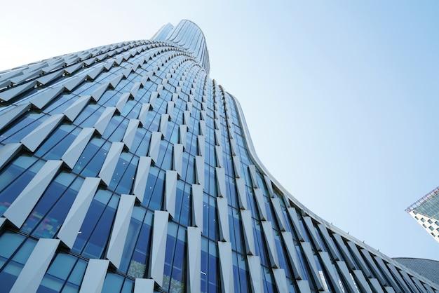 Arquitectura urbana moderna en la ciudad nueva de qianjiang, china, hangzhou