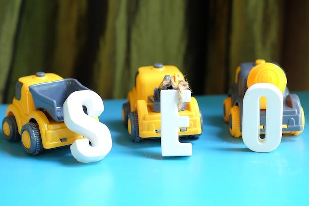 Arreglar las letras blancas como seo