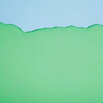 Arregle de papeles azules y verdes
