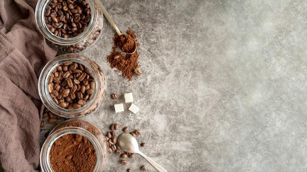 Arreglo de café con espacio de copia