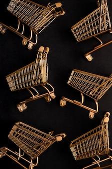 Arreglo de carrito de compras de vista superior