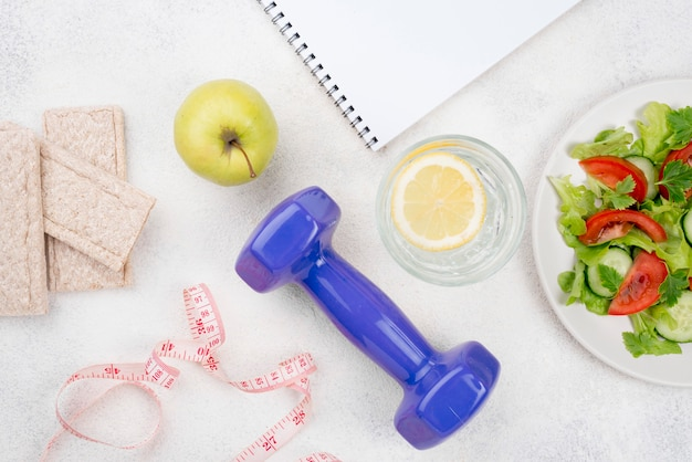 Arreglo con comida sana