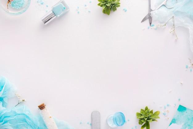 Arreglo de elementos para el cuidado de las uñas con espacio de copia