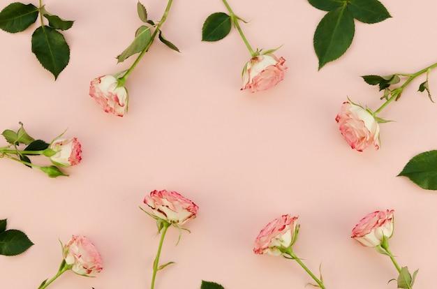 Arreglo floral en plano