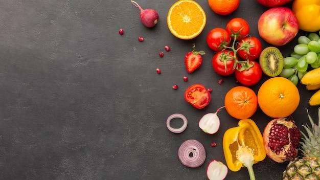Arreglo de frutas y verduras