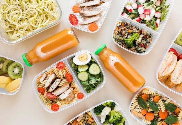 Arreglo laico plano comida nutritiva
