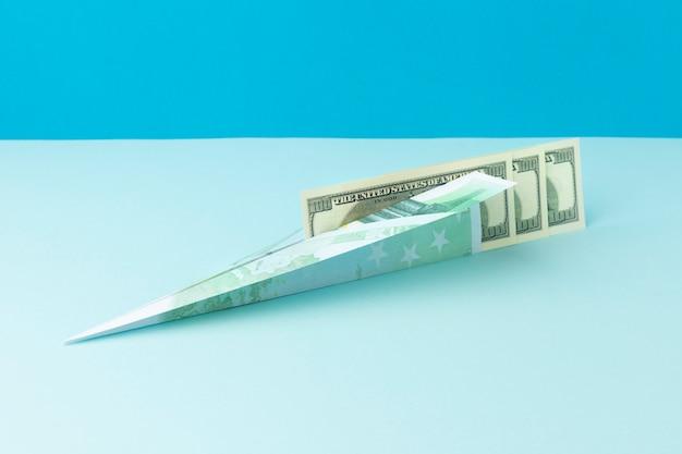Arreglo de naturaleza muerta abstracta libertad financiera