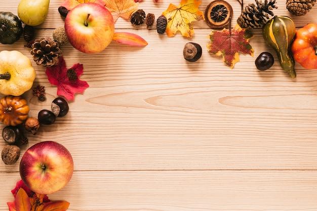Arreglo de otoño vista superior con espacio de copia