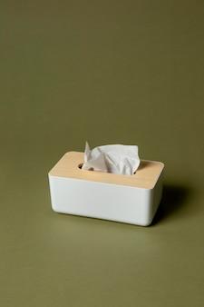 Arreglo de pañuelo blanco nasal