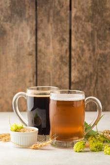 Arreglo de semillas de cerveza y trigo