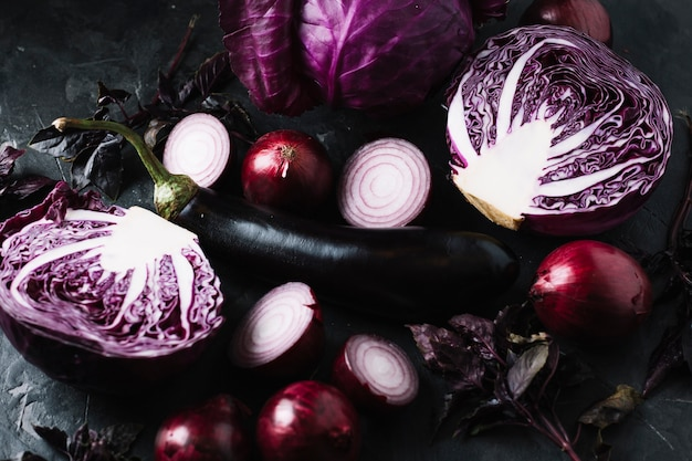 Arreglo de vista superior de verduras rojas