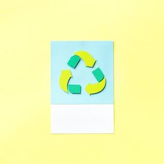 Arte de papel artesanal del icono de reciclaje