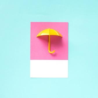 Arte de papel artesanal de un paraguas