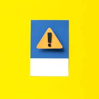 Arte de papel artesanal de una señal de advertencia.
