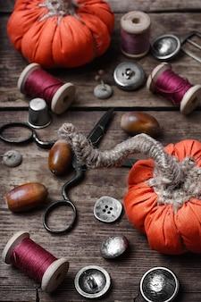 Artesanía con calabazas de coser.