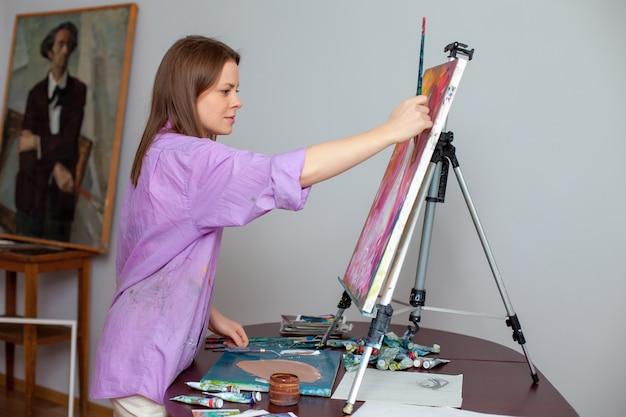 Artista creativo para dibujar