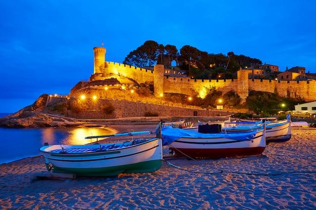 Atardecer de tossa de mar en la costa brava de cataluña.