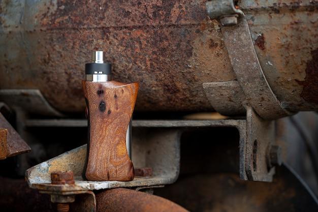 Atomizador de goteo reconstruible de alta gama con mods de caja regulada de madera de nogal natural estabilizada, dispositivo de vapeo