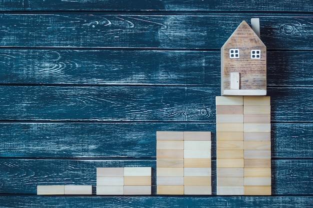 Aumento de los precios inmobiliarios. aumentar el pago del alquiler de una casa. copia espacio
