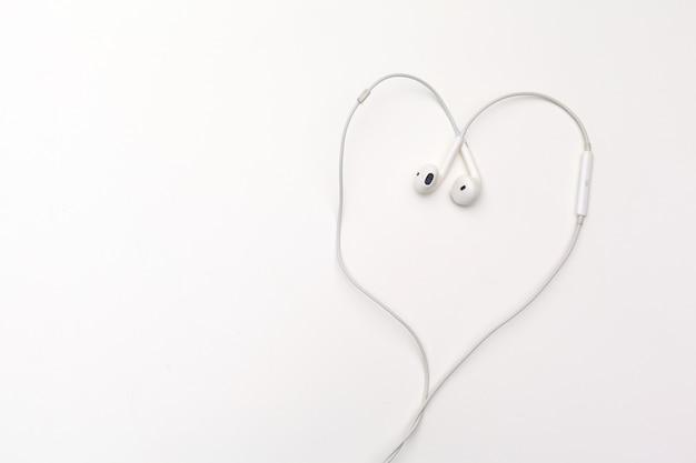 Auriculares aislados en blanco