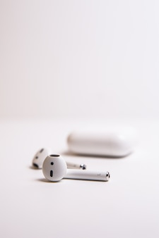 Auriculares inalámbricos bluetooth primer plano macro audio