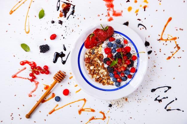 Avena, granola, gachas con yogurt
