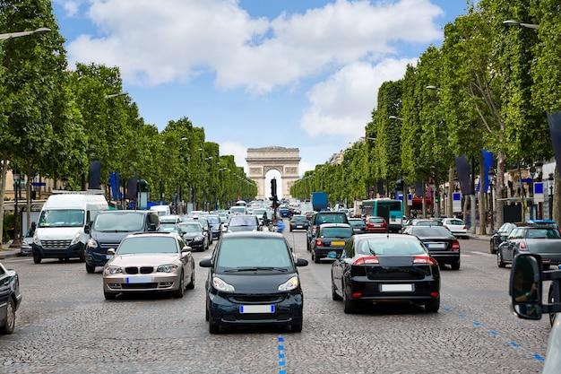 Avenida de los campos elíseos en parís francia
