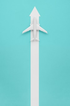 Avión con flecha para dirección