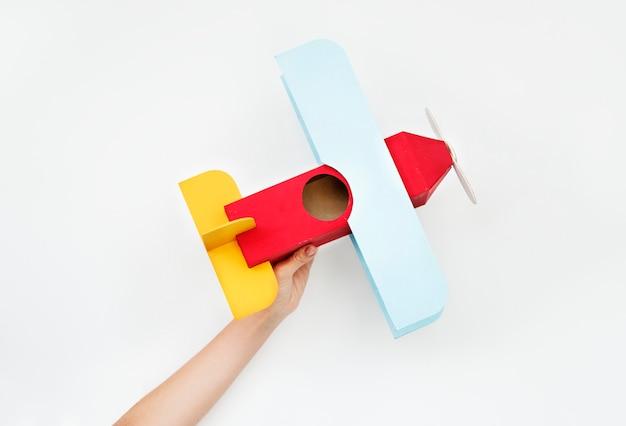 Avión de papel artesanal