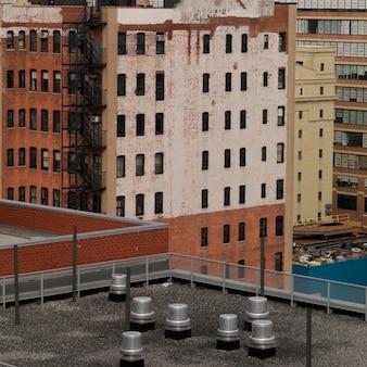 Azotea de un edificio en manhattan, nueva york, estados unidos