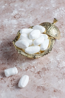 Azúcar mevlana, dulce de azúcar blanco específico de turquía, vista superior