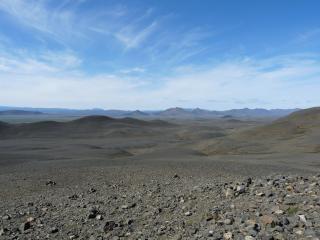 Azul cielo montañas