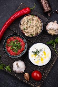 Baba ganoush, tzatziki y ezme de tomate
