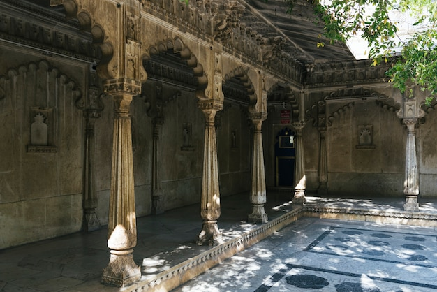 Badi mahal o palacio del jardín del palacio de la ciudad en udaipur, rajastán, india