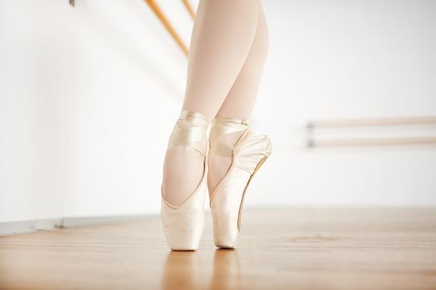 Bailando en los dedos de los pies