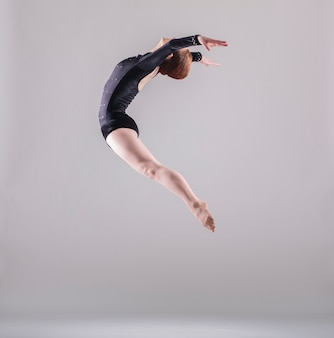 Bailarina saltando