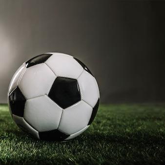 Balón de fútbol de primer plano