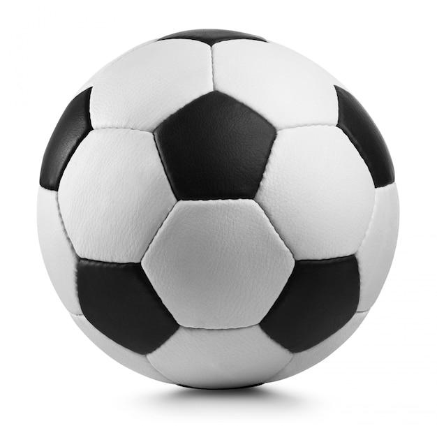 Balón de fútbol sobre fondo blanco.