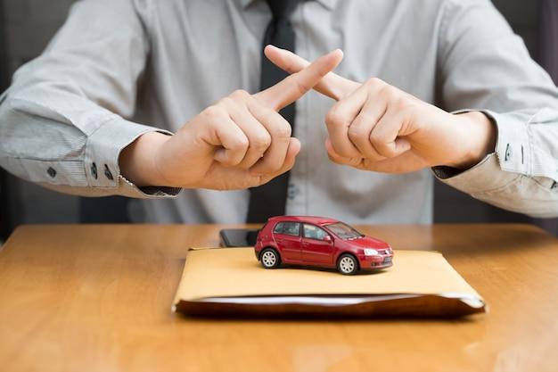 El banco no aprueba el préstamo de automóvil