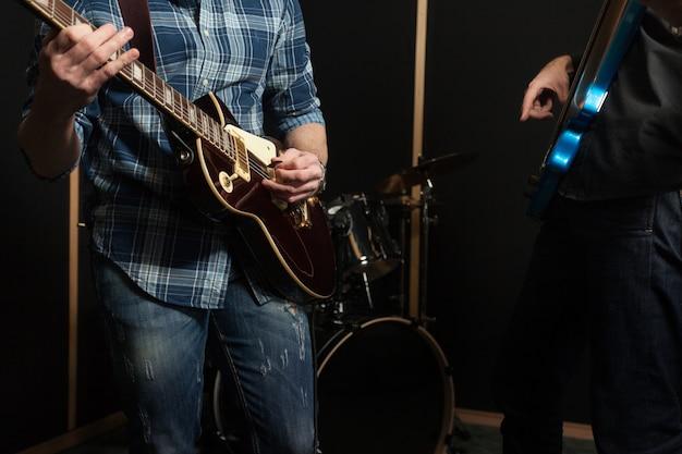 Banda de guitarra de cerca