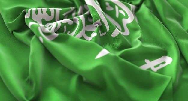 Bandera de arabia saudita ruffled bellamente agitando macro foto de primer plano