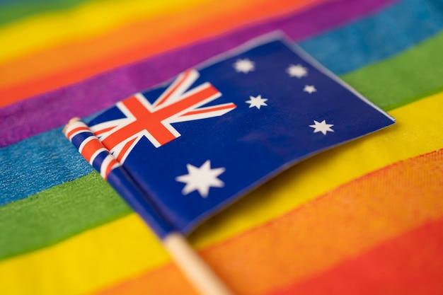 Bandera de australia en el símbolo del arco iris del mes del orgullo gay lgbt.