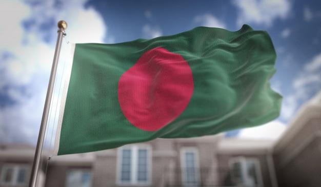 Bandera de bangladesh representación 3d sobre fondo de construcción de cielo azul